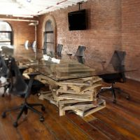 Современный длинный стол из паллет для переговоров МО12