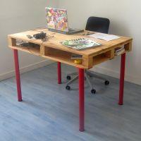 Простой стол из паллет МО08