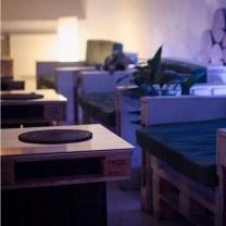 Мебель для кафе из поддонов МК04