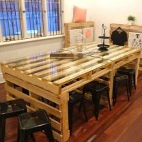Просторный стол из паллет СТ43