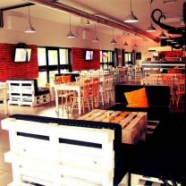 Мебель для кафе из поддонов МК60