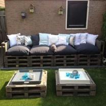 Мягкий диван из паллет для кафе и сада МК207