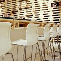 Мебель для кафе из поддонов МК102